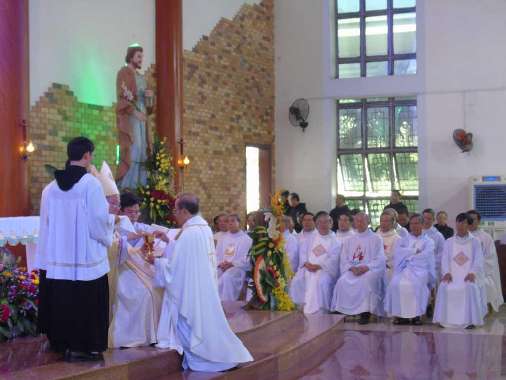 Thánh Lễ Phong Chức Linh Mục tại Dòng Thánh Gioan Thiên Chúa